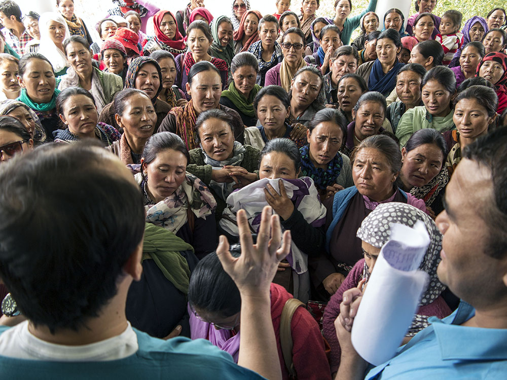hundreds of women