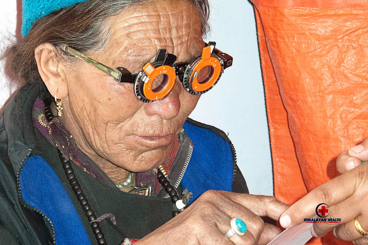 woman-eyeglasses